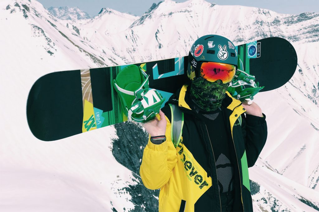 que llevar mochila snowboard